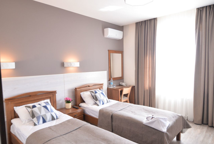 Готель Географія у Рівноме. Двомісний напівлюкс з двома ліжками