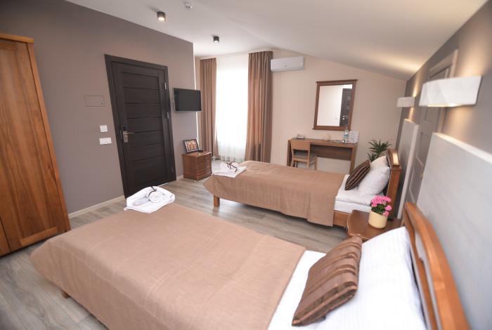 Готель Географія у Рівноме. Двомісний стандарт з двома ліжками
