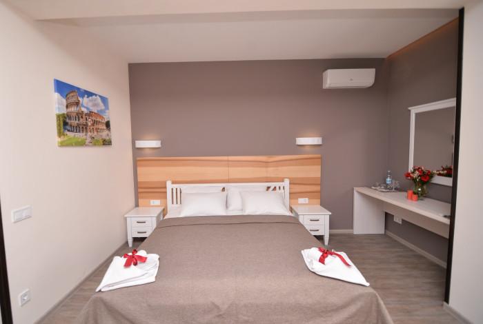 Готель Географія у Рівноме. Двомісний напівлюкс з одним ліжком
